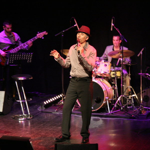 Spectacle Jazzy Crooner